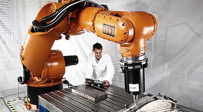 KUKA robotok a világ legintelligensebb gyártósorain invitech.hu